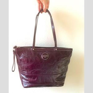 Coach patent zip tote berry-wine Gorgeous!